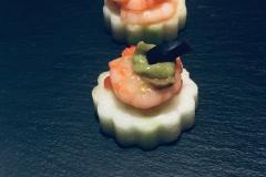 shrimp-salsa-on-cucumber-crostini