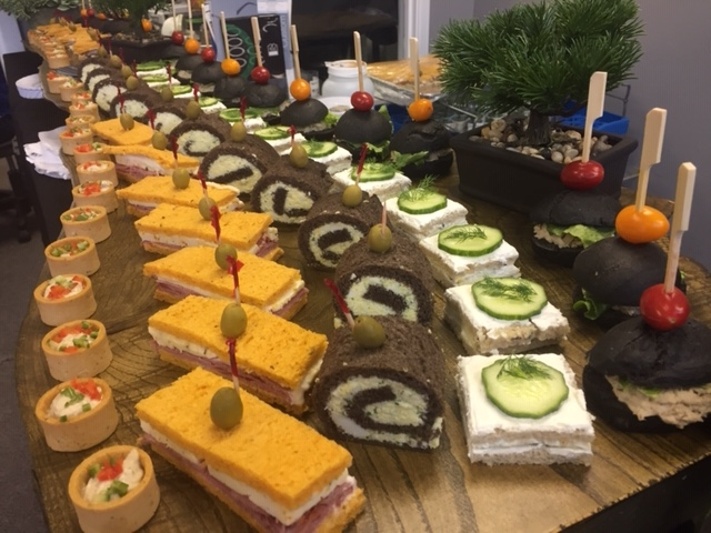 assorted-cold-tea-sandwiches-canapes