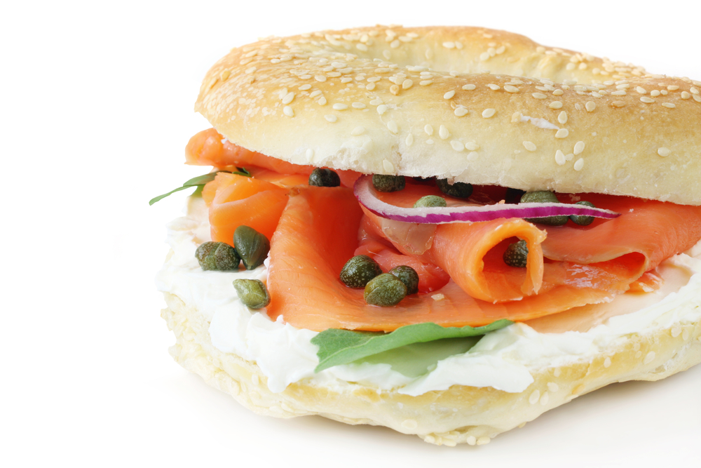 Bagel with smoked salmon, cream cheese, capers and red onion.